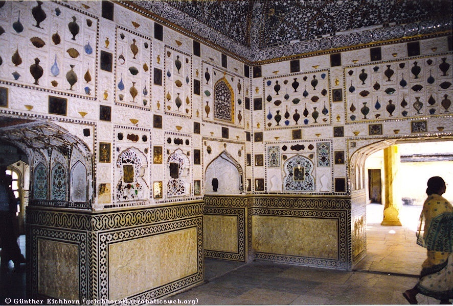 Room in the Amber Palace of Jaipur with colored tiles and marble carvings and inlays