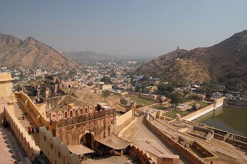 Amber-palace wall