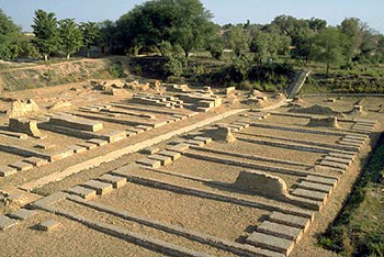 http://veda.wikidot.com/local--files/ancient-city-found-in-india-irradiated-from-atomic-blast/be_harappa_granary.jpg